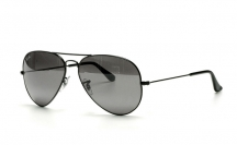 RB3025 002/37 Aviator